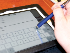 Exclusive Engravings stylus in use